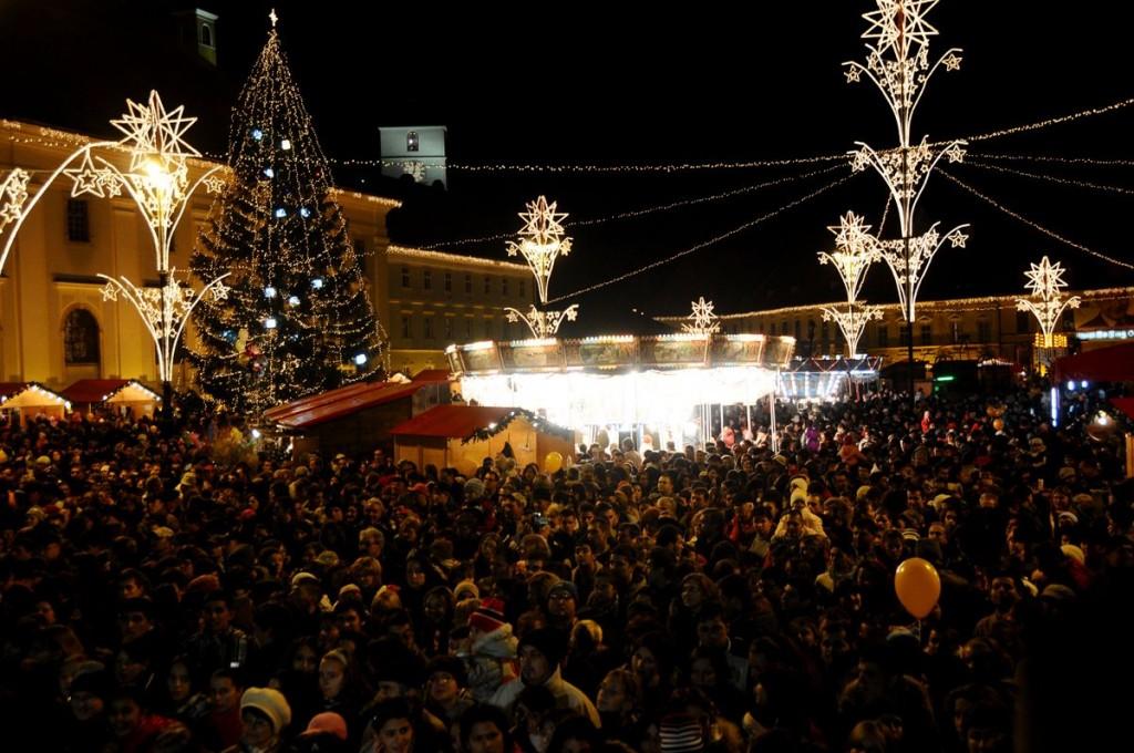 Targul de Craciun Sibiu cadouri piata mare capitala rathaus evenimente concertesibiu evenimentesibiu