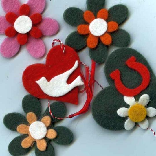 idei martisoare din fetru flori