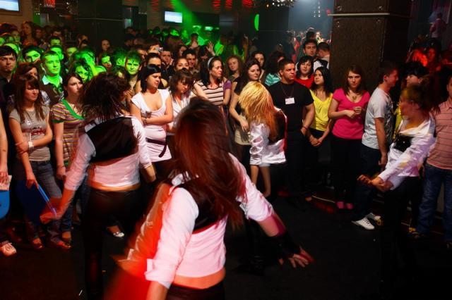 Poze evenimente brasov party in club xen