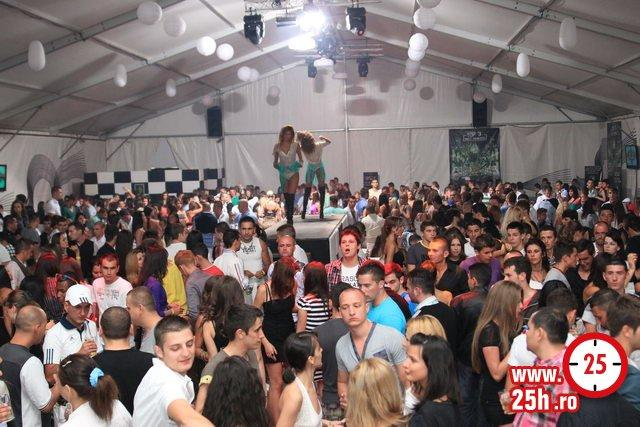 Club pitesti arges pitesti joi 18 august 2011 21 00 zion club pitesti